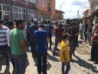 EDİRNE VALİLİĞİ - Mahalle Halkı Ayaklandı, Özel Harekat Sokağa İndi