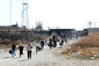 SURİYE ORDUSU - Suriyeliler Ülkelerine Gitmek İçin 'Depar' Attı