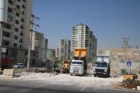TRAFİK SORUNU - Büyükşehir Fuar Merkezi Caddesini Genişletiliyor