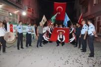 MUSTAFA ÖZEL - Kavga İhbarına Giden Polise Sürpriz