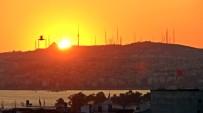 SAĞANAK YAĞMUR - İstanbul'da Gün Doğumu Kartpostallık Görüntülere Sahne Oldu