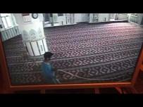 CAMİ İMAMI - Vicdansız Cami Hırsızı Kameraya Böyle Yakalandı...