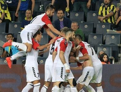 Vardarlı futbolculara şaşırtan prim