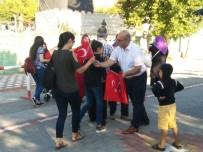 YEMİN TÖRENİ - Asker Aileleri Yemin Törenine Türk Bayraklarıyla Katıldı