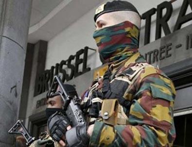 Brüksel'de askere saldırı