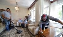 AKSAKAL - Büyükşehir'den, Yaşlı Evlerinde Bayram Temizliği