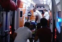 KAYACıK - Kopan Dorseden Kaçarken Ağaca Çarptı Açıklaması 1 Yaralı