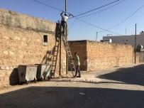 Midyat' Ta Tehlike Saçan Telefon Direği Onarıldı