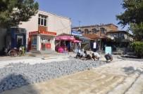 YENI CAMI - Yeni Cami Önüne Yeni Meydan