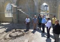 MEHMET GÜNER - Yeşilyurt Belediyesi Engelsiz Park İçindeki Cami Çalışmalarına Devam Ediyor