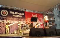 ALEYNA TİLKİ - Aleyna Tilki, Kolej Açılışında Sahne Aldı