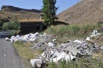 PİKNİK ALANLARI - Beton Bariyer Hafriyat Dökülmesini Engel Olmadı