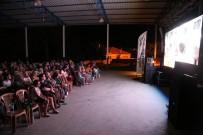 KARAHAYıT - Efeler Belediyesi Açık Hava Sinema Günleri Başlattı