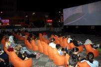 FİLM GÖSTERİMİ - Samsun'da Açık Havada Sinema Keyfi