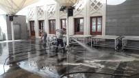 ŞEHİTLİKLER - Büyükşehir'den Ankara Genelinde Bayram Temizliği