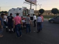 ÇALIŞAN KADIN - Kamyonetin Çarptığı Kadın Yaralandı