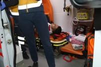 ALIKAHYA - Mobilya Yüklü Kamyon TIR'a Arkadan Çarptı Açıklaması1 Yaralı