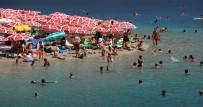 ÖLÜDENİZ - Plajlarda Bayram Hareketliliği