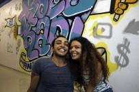 SINEMA FILMI - Youtuber Karı-Koca Birbirlerine Yaptıkları Şakalarla İzlenme Rekorları Kırıyor