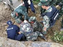 GÜNEY DOĞU - Çin'de Toprak Kayması Açıklaması 2 Ölü, 25 Kayıp
