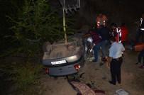 Çorum'da Hafif Ticari Araç İle Otomobil Çarpıştı Açıklaması 3 Ölü, 4 Yaralı