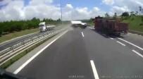 KEMERBURGAZ - Kamyonetin Çarptığı Otomobilin Takla Atma Anı Kamerada