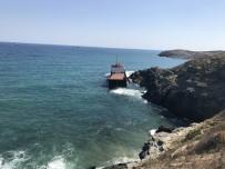 KURU YÜK GEMİSİ - Sarıyer'de İkiye Bölünen Geminin Ön Kısmı Battı