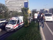 Zeytinburnu'da Yol Kenarında Erkek Cesedi Bulundu