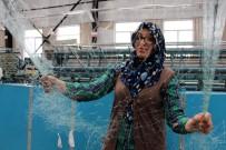 Balık Ağlarını Kadınlar Örüyor