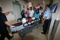 BEYTEPE - Balkondan Düşen 1,5 Yaşındaki Suriyeli Bebek Ağır Yaralandı