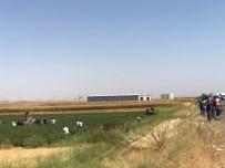 YARALI ASKERLER - Diyarbakır'da Askeri Aracın Geçişinde Patlama Açıklaması Yaralılar Var