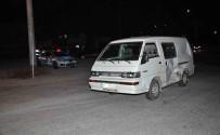 FATIH ÖZDEMIR - Manavgat'ta Motosikletle Minibüs Çarpıştı Açıklaması 2 Yaralı