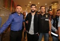 Luis Neto - Neto İstanbul'a geldi