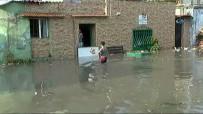 SAĞANAK YAĞIŞ - Şişli'de Araçlar Suda Mahsur Kaldı