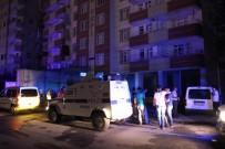 İTFAİYE ERİ - Yangına Giden İtfaiye Erlerine Saldırı Açıklaması 5 Yaralı
