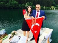 Artvin Şavşatlı Çiftin Nikahı Karagöl'de Sandal İçinde Kıyıldı
