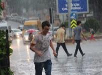 ERKEN UYARI - Aydın'ın Doğu İlçelerine Kuvvetli Yağış Uyarısı