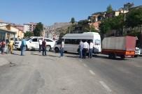 KAZIM KARABEKİR - Aynı Noktada 2 Saatte 2 Kaza Açıklaması 4 Yaralı