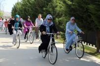 BAŞAKŞEHİR BELEDİYESİ - Başakşehir Spor Parkı'na Vatandaşlar İçin 50 Bisiklet Yerleştirildi