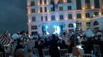 SİNEMA OYUNCUSU - Beşiktaşlılar Şampiyonluğu Kutladı