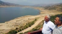 SEBZE ÜRETİMİ - Beydağ Barajı Boşaldı, Üreticiler Kanalizasyon Suyuyla Sulama Yapıyor
