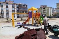 YOĞUN MESAİ - Ereğli'de Park Ve Yeşil Alan Çalışması