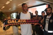 MANCHESTER CITY - Galatasaray'ın Yeni Transferi Fernando İstanbul'a Geldi
