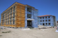 OKUL BİNASI - Karaman Belediyesinin Yaptırdığı Okullar Hızla Yükseliyor