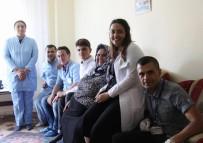 MUSTAFA ÇETİNKAYA - Katıksız Ekmek Yiyen Kayserili Ailenin Yüzü Gelen Yardımlarla Güldü