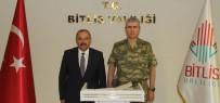Korgeneral Uyar'dan Vali Ustaoğlu'na Ziyaret