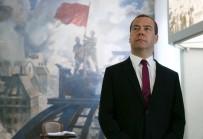 MEDVEDEV - Medvedev Açıklaması 'ABD Yaptırımları Rusya'ya Açılan Bir Ticaret Savaşıdır'