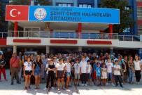 İZMIR İL MILLI EĞITIM MÜDÜRLÜĞÜ - Şehit Ömer Halisdemir Ortaokulu'nun Kapatılmasına Tepki