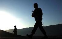SOKAĞA ÇIKMA YASAĞI - Şemdinli'de 1 Asker Hafif Yaralandı