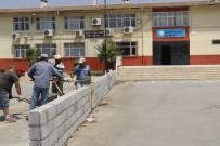 KAZANLı - Akdeniz Belediyesi'nden Okullara Destek